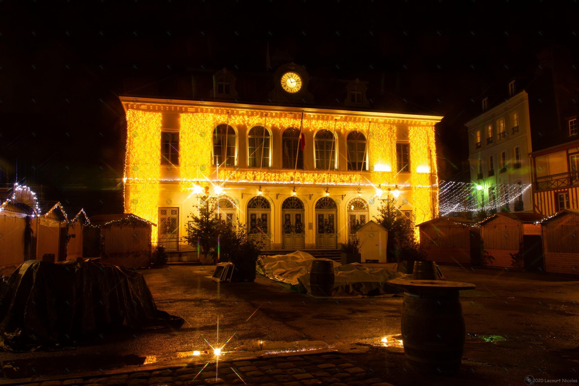Photo Paysage de Noël « La Mairie d'Honfleur de Noël»