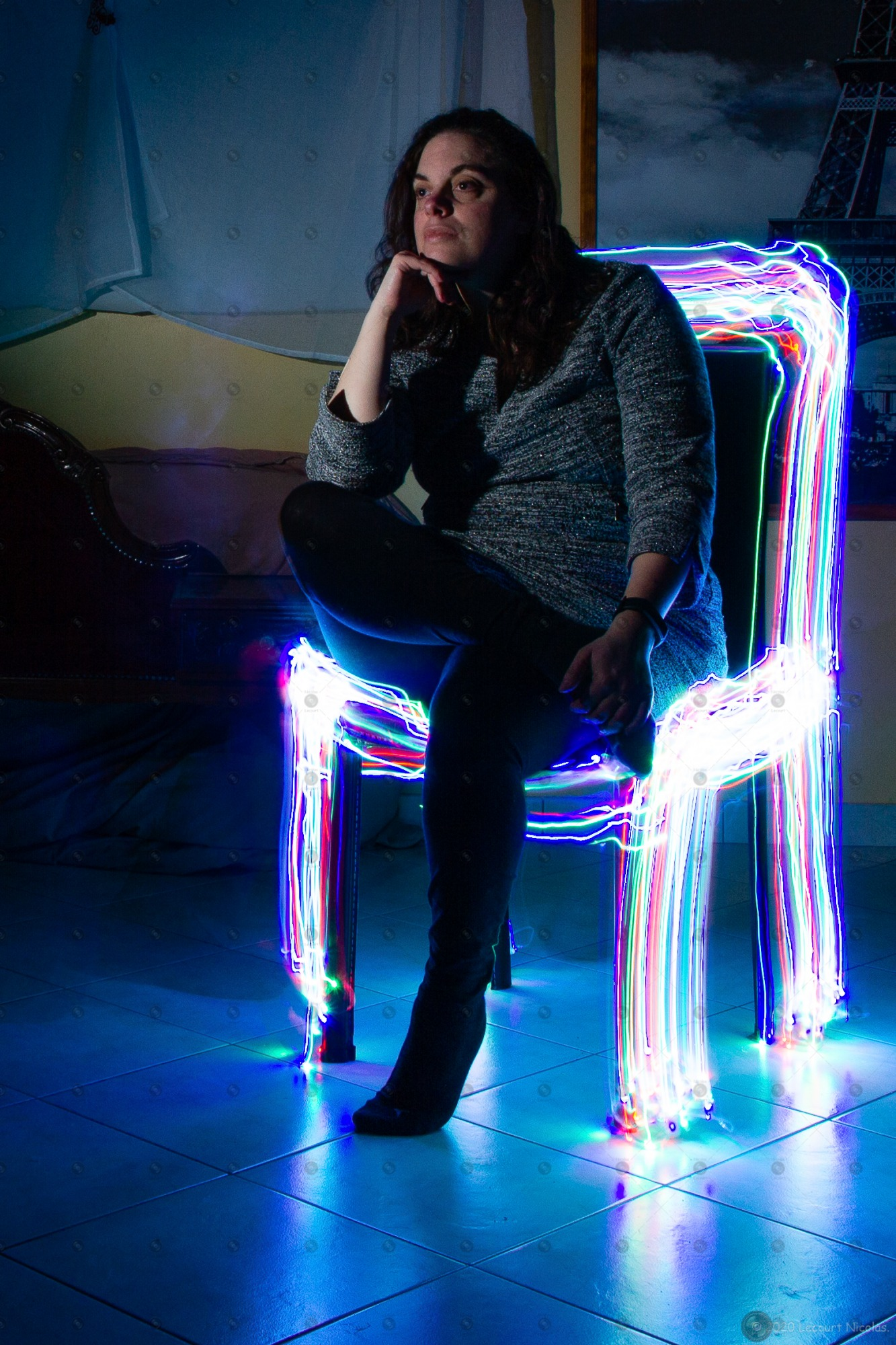 Photo «Chaise Lumineuse» – Portrait – Light Painting.