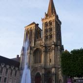 La Fontaine de la Cathédrale - Lisieux- Normandie